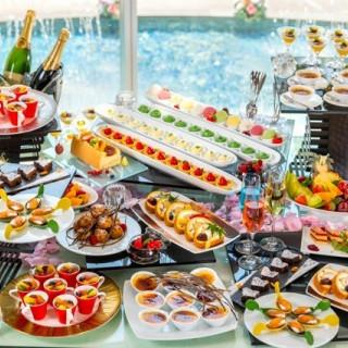 土曜日・日曜日フェア限定!!来館いただいたお客様にシェフ特製のデザートブッフェのテイスティング♪