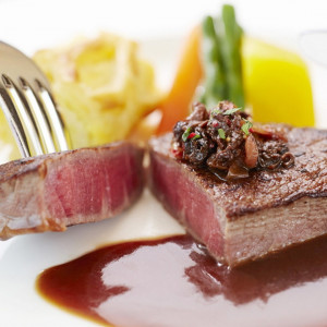 【ペア無料】人気の国産牛フィレ&サーロイン食べ比べ含む4品試食