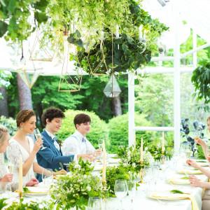 <アルフレスコ>開放的なロケーションの中、美食を囲んで楽しむ大人のガーデンパーティを|星野リゾート リゾナーレ八ヶ岳の写真(2954002)