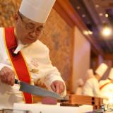 取締役統括総料理長 中村善二 2008年厚生労働省「現代の名工」に選定され、2015年には黄綬褒章を受章。
