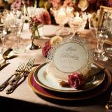 四季折々の花々が、披露宴会場はもちろんのこと、挙式会場やゲストのテーブルを華やかに彩ります。