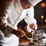 美食家たちにも愛されている料理。 多数開催中の試食会で、その実力を確かめて!