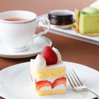名古屋東急ホテルラウンジで使えるケーキセットペアチケットをプレゼント