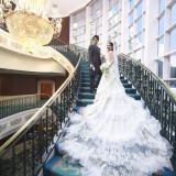柏 日本閣と言ったら【螺旋階段】 やっと見つけたウェディングドレスをお召しになり、必ず撮影していただきたいフォトスポット
