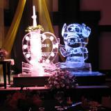 【氷の彫刻】フレンチレストラン「セラン」料理長による、涼しげな氷の彫刻。おふたりの結婚式のテーマに合わせて製作可能です。