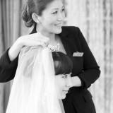 花嫁の好みをもとに、似合うスタイルを提案