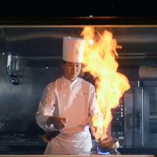 料理評価三重県1位のシェフ特製おもてなし料理試食+パティシエ特製ミニウエディングケーキ付