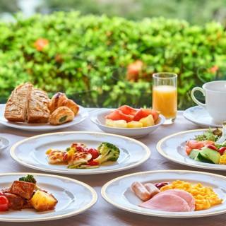 当日、城山観光ホテル自慢の贅沢朝食ビュッフェを無料でご試食。全国TOP10入りの味をこの機会に是非♪