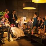 「The SQUARE」待合室ソファーが多数設置されたスクエアのホワイエは、アットホームな雰囲気の待合室となってます