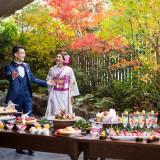 <秋のコーディネート> 色づいた草花が茂るテラスで贅沢にデザートブッフェ。 和装×和スイーツで思い出に残る一日を。