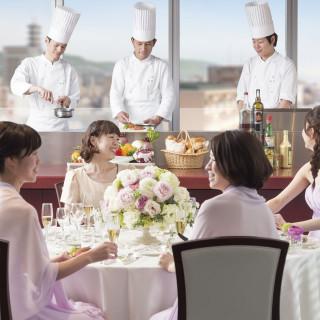 【青空ウェディング体験】最上階のシェフズライブ美食フェア