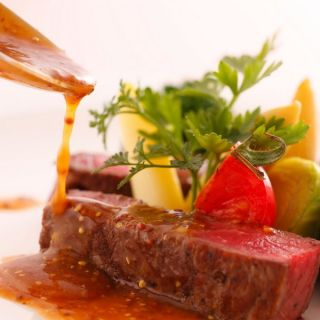 【高級食材が無料試食!】国産牛&フォアグラ試食フェアが人気☆