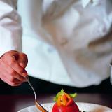 厳選した旬の食材のみを選りすぐったひと皿の芸術