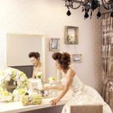 ブライズルームに思い出の写真を飾ったり、ふたりの部屋のようにくつろいで。