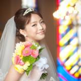 挙式や披露宴、シーンごとに合わせて、ヘアスタイルやメイクを変えて、一番輝く花嫁に。