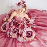 カヴァーアルバムが大人気のBENIプロデュースのドレス。最新作が登場!