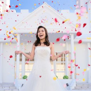 「選べる特典」でお得に結婚式♪ 100,000円相当のウエディングアイテムをプレゼント!