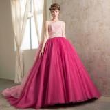 カラードレスもたくさんの種類の中からお選びいただけるので安心☆お気に入りの一着をみつけて♪