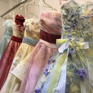 来館された方には総額30万円の中から選べるカラードレスをプレゼント