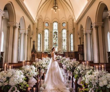約120年の歴史あるステンドグラスが魅力の大聖堂