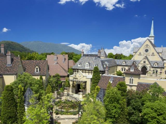 ★3つの選べる邸宅をご案内★【緑豊かな英国の村】を巡るヴィレッジツアー