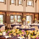 ゲストを自宅に招いておもてなしするように邸宅を貸切、プライベート感あふれるパーティを。
