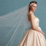 こだわりのオリジナルドレスは、シンプルなラインから大胆で可愛いドレスまでご用意