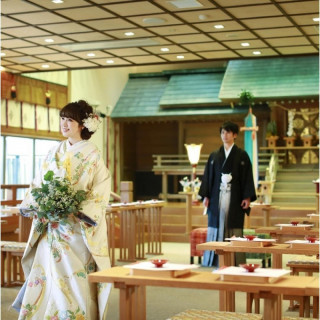【家族の歴史を刻む】本格神殿見学×特製コース試食&衣裳特典付