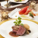 国産牛肉の低温ローストとフォアグラのソテー ロッシーニスタイル