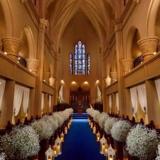 美しく上質な大聖堂 想い出に残る本格ウェディング相談会