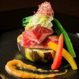 農林水産大臣賞1位を受賞した本物の職人が奏でる日本料理☆お客様に合わせた創作メニューもOK!味彩牛という熊本ブランド牛ロースステーキを特製おろしダレで。年齢問わず人気です