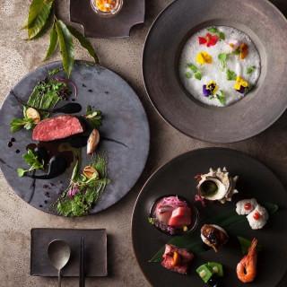 ◆名物フォアグラ寿司◆を含む豪華コース料理(2万円相当)を無料試食!
