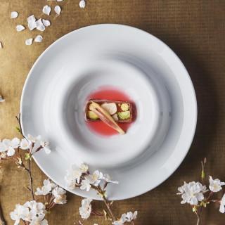 初見学に◎【2万円ギフト券付】美食味わう無料試食×挙式体験
