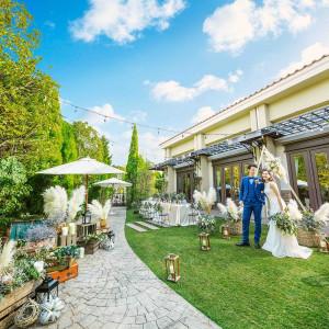 青空が広がる緑豊かな貸切一軒家でアットホームなパーティ|アイネスヴィラノッツェ宝ヶ池(クラウディアホールディングスグループ)の写真(4463370)