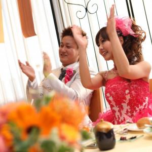 お二人も一緒に楽しむホームパーティーこころからの笑顔がひろがって|リッツガーデンハウスアヴェニューの写真(280417)