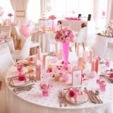 ピンクの可愛らしいコーディネイトも人気