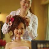 専属の美容スタッフとヘアセット・メイクのリハーサル。やってみたい髪型を試すことが出来る。