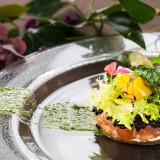 """フレンチ料理は海外で経験を積んだシェフが作るプリフィックスコース。""""選べる(プリフィックス)""""という名前の通りふたりでオリジナルのコースを作ることが出来る。"""