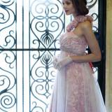 Dress The LoveL【LUSTRE】素材の良さを活かし、女性本来の美しさを際立たせてくれるシンプルモダンなデザイン