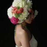 2013年 MODERN FLOWER ARTデビュー。洋装でも和装でもアレンジ自由な新しい花嫁スタイル。 人とは違う一歩先のオシャレを極めた花嫁姿を叶える