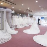 【衣裳サロン】施設内に衣裳サロンを完備。種類豊富な衣裳の中からとっておきの1着が見つかる