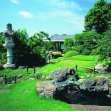 1000坪を超える広大な日本庭園。