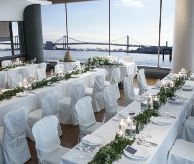 チャペル建物館内の海が見えるレストラン「TOP OF SIDE」6名様~レストランを貸し切ってお食事会が可能!