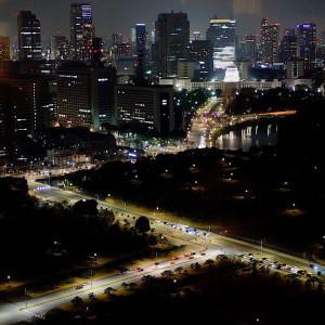 パーティの後半には会場内の明かりをけす『夜景タイム』も人気。|サンス・エ・サヴール(ひらまつウエディング)の写真(3953255)