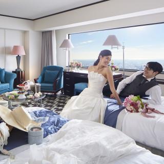 披露宴当日おふたりのハネムーンルーム宿泊プレゼント/ご結婚1周年記念ディナーにご招待など
