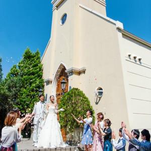 大聖堂から外に出ると、青空が広がる開放的なエントランス!|ベルヴィ リリアルの写真(1262154)
