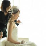 専属のヘアメイクアーティストが事前のお打合せを経てお好みのスタイルをご提案
