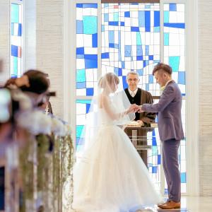『花嫁の幸福』をコンセプトにした、青いチャペルでお二人だけの挙式をお届けいたします|ホテル国際21の写真(2927547)