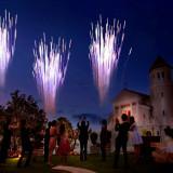 披露宴の最後にはガーデンでの打ち上げ花火で感動的なフィナーレを!