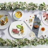 旬の食材を使用した彩り豊かなお料理でゲストをおもてなし